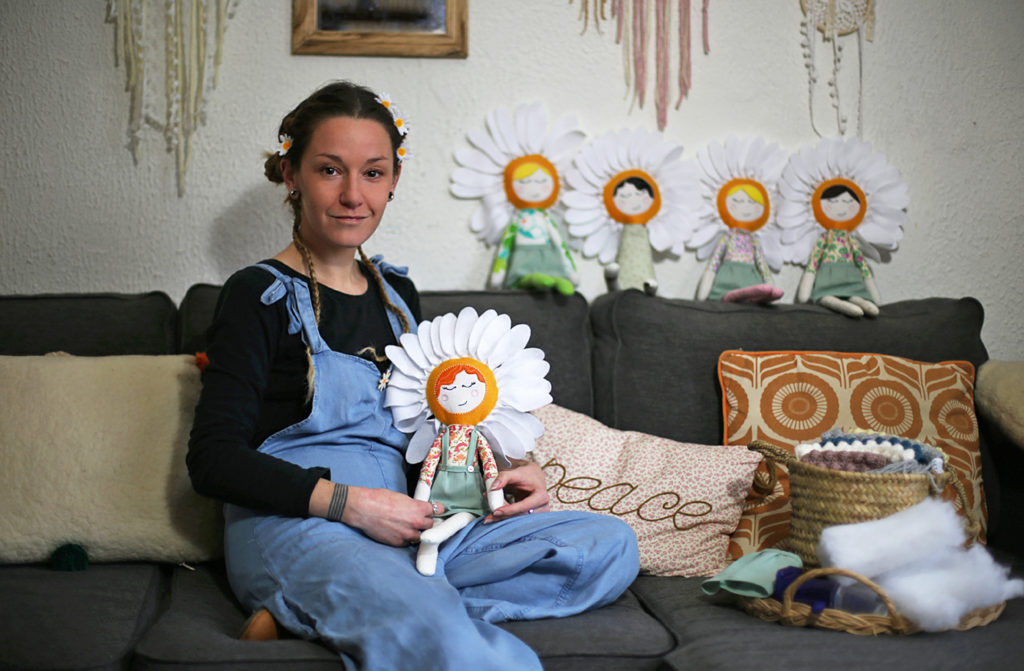 Miss Marguerite et ses poupées fleurs