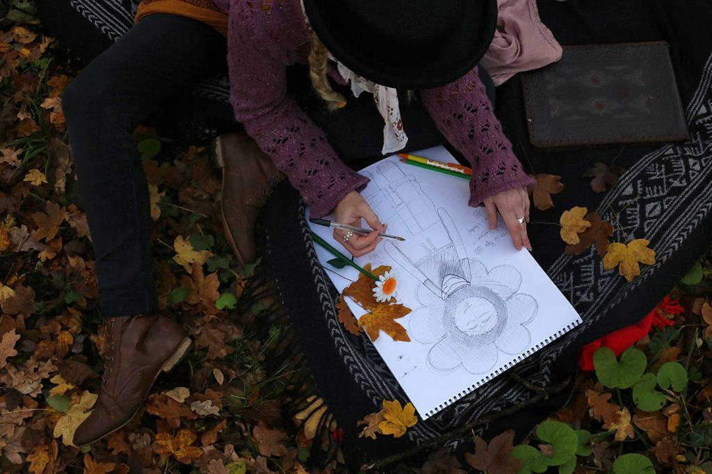 Illustration poupée Mr Bonheur en cours de réalisation